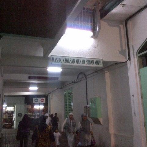 Photo taken at Kawasan Wisata Religi Makam Sunan Ampel by Arlan F. on 12/23/2012