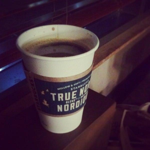 Photo taken at Starbucks by MH♪ on 8/6/2013