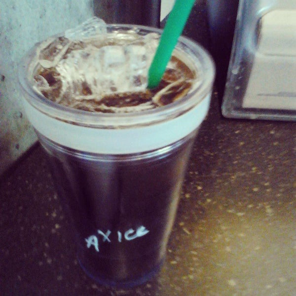 Photo taken at Starbucks by MH♪ on 7/4/2013