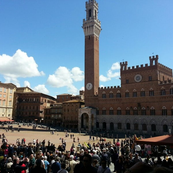 Photo taken at Piazza del Campo by Simona D. on 4/21/2013