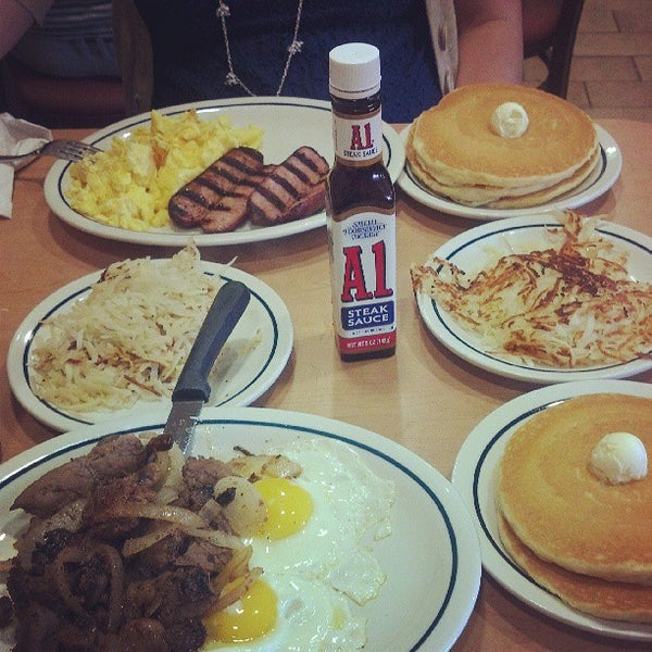 Photo taken at IHOP by kenny t. on 6/29/2013