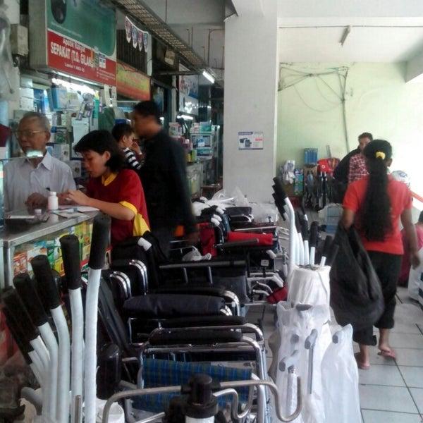 Pasar Pramuka Apotek Di Matraman