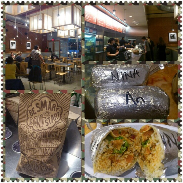 Photo taken at Chipotle Mexican Grill by Cái S. on 10/11/2012