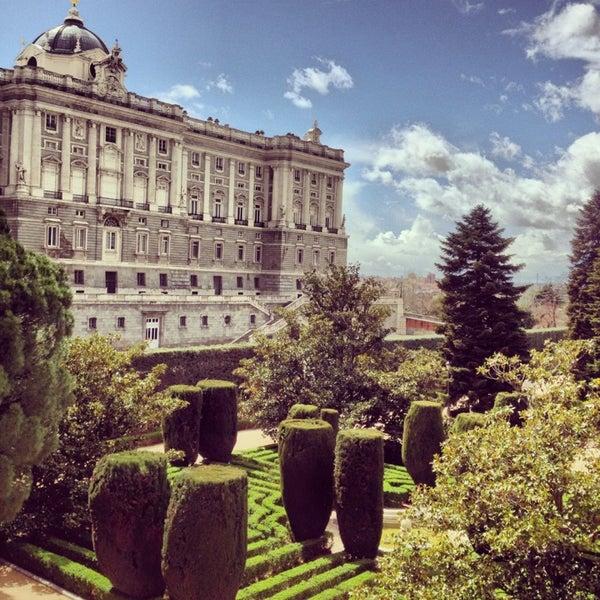 Jardines de sabatini palacio madrid madrid for Jardines de sabatini