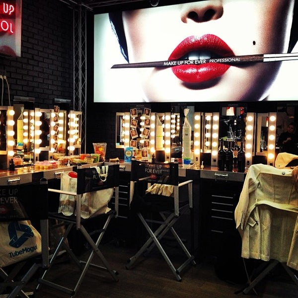 Photo taken at Sephora - Soho by Shannon O. on 2/11/2014