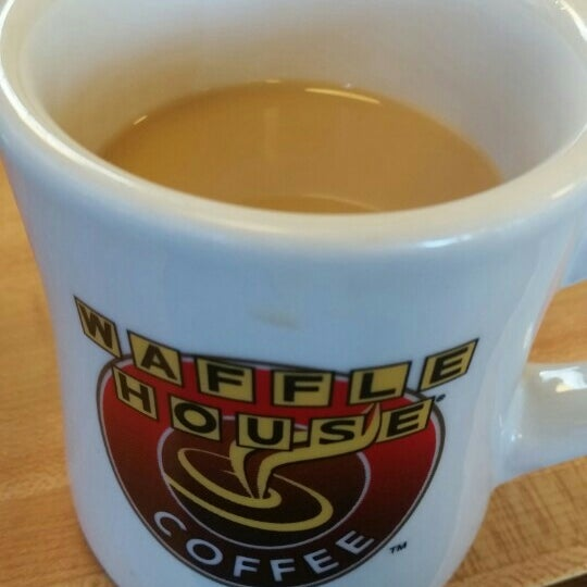 Photo taken at Waffle House by Steph I. on 7/11/2015