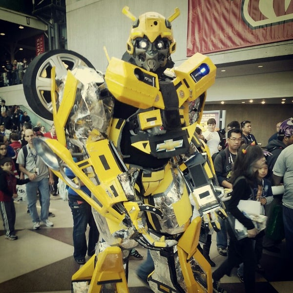 Photo taken at New York Comic Con 2012 by Chezz on 10/15/2012