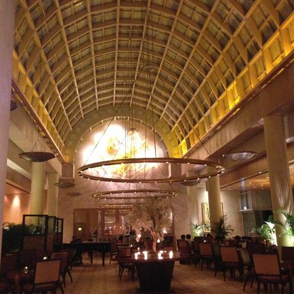 Photo taken at The Ritz-Carlton, Millenia Singapore by Quyen C. on 3/1/2013