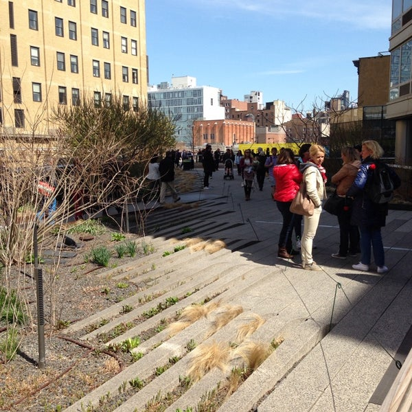 Photo taken at High Line 10th Ave Amphitheatre by Roberto A. on 4/20/2014