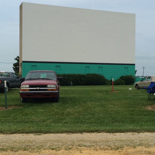 Photo taken at Holiday Drive In Theater by Sarah L. on 6/8/2014
