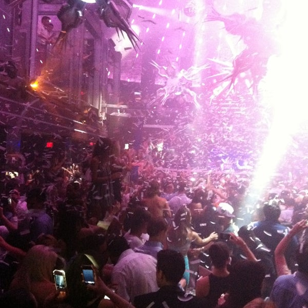 Photo taken at LIV Miami by Vivianne L. on 4/27/2013