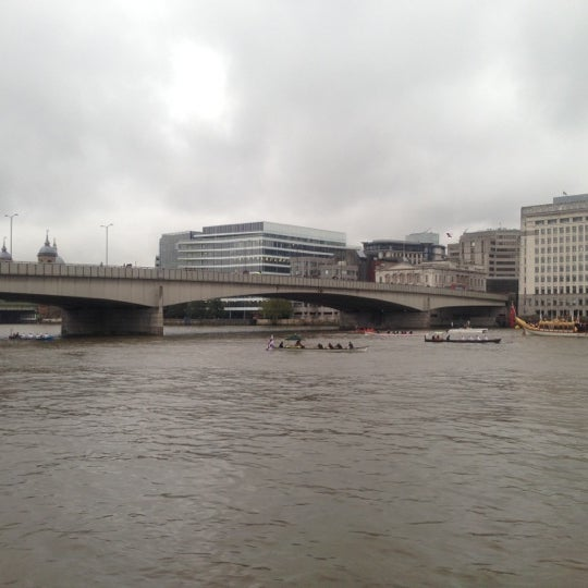 Photo taken at London Bridge by Vin G. on 11/10/2012