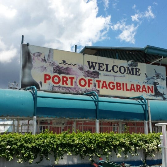 Photo taken at Tagbilaran City Bohol Port by Gello M. on 5/4/2013