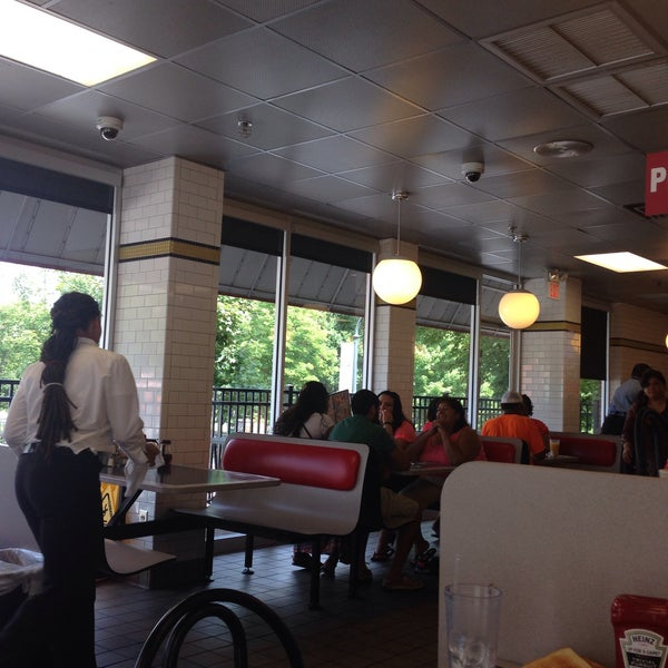 Photo taken at Waffle House by Lucy T. on 6/26/2015