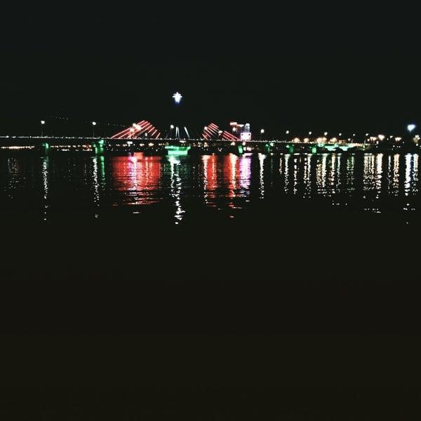 Photo taken at Cầu Sông Hàn (Han River Bridge) by Phạm Thùy D. on 2/6/2015
