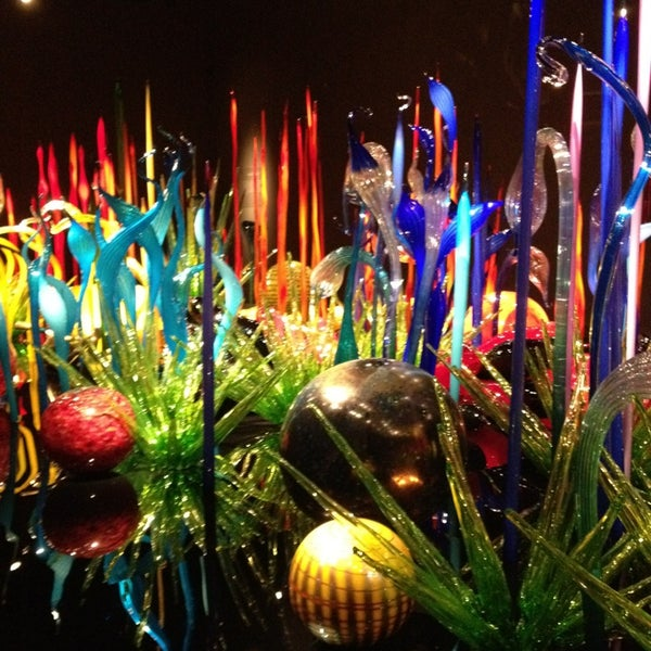 Chihuly Garden And Glass Art Gallery In Seattle