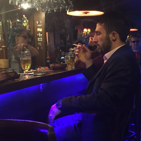 Photo taken at Millwall English Pub by Yalçın A. on 2/4/2017