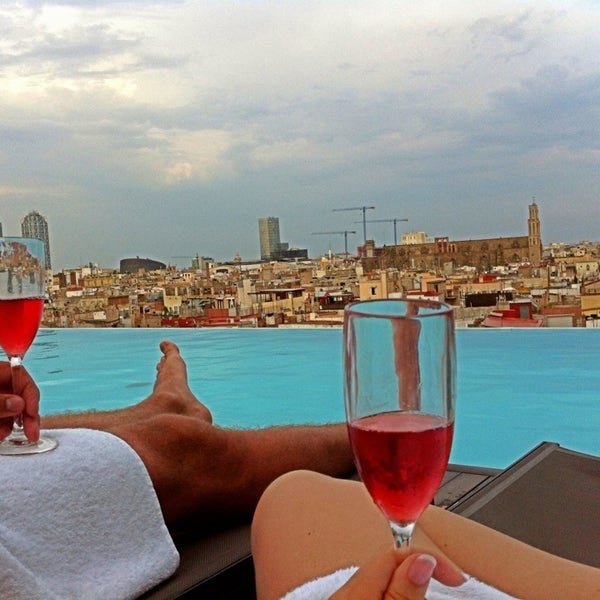 Where's Good? Holiday and vacation recommendations for Barcelona, Spain. What's good to see, when's good to go and how's best to get there.