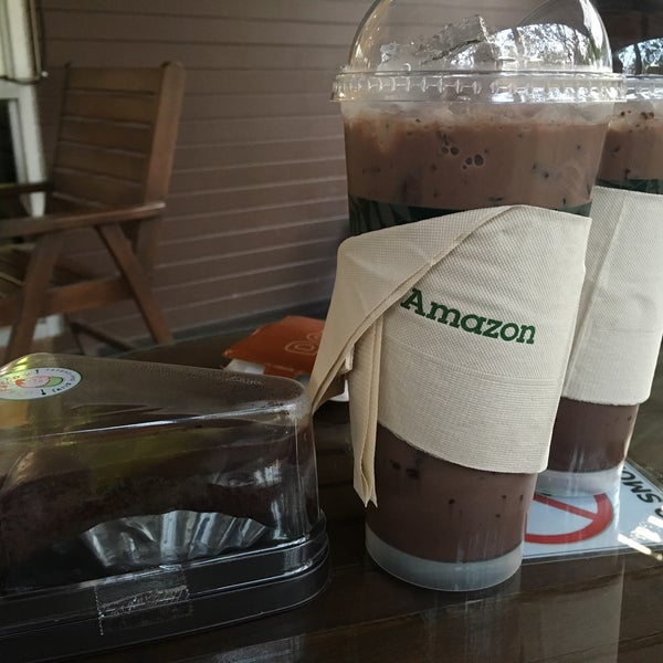 Photo taken at Café Amazon by aUMsEhuN on 2/1/2016