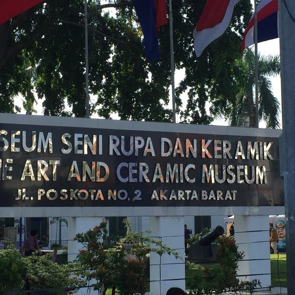 Photo taken at Museum Seni Rupa dan Keramik by Vivi Y. on 8/6/2016