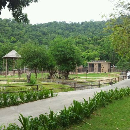 Photo taken at Khao Kheow Open Zoo by Watchara R. on 6/4/2012
