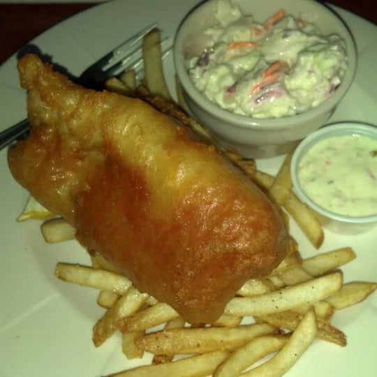 Photo taken at Humphrey's Bar and Grill by Gary D. on 10/20/2012