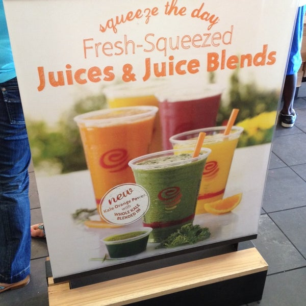 Photo taken at Jamba Juice by Alexander(800)518-7205 H. on 5/3/2014