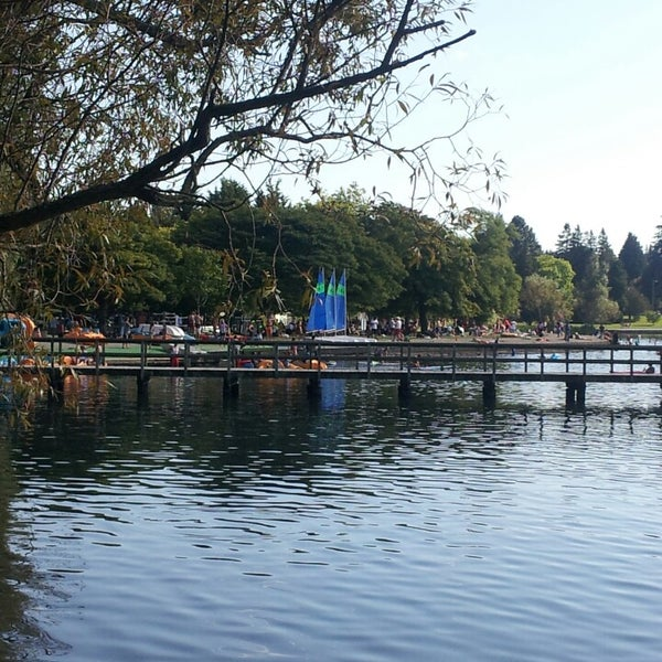 Photo taken at Green Lake Boathouse by Tela A. on 9/1/2013