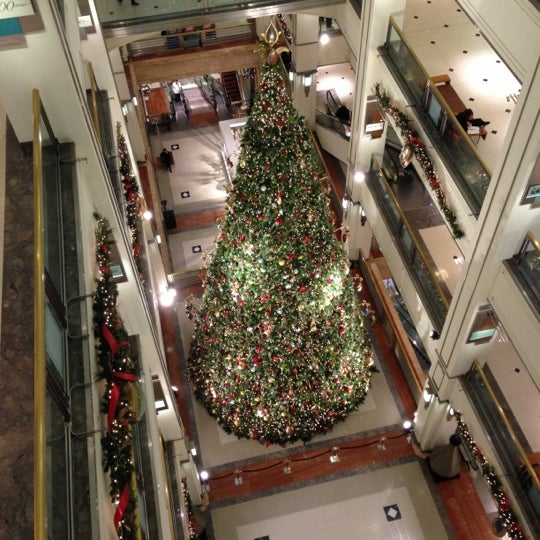 Photo taken at 900 North Michigan Shops by Patricia D. on 12/12/2012