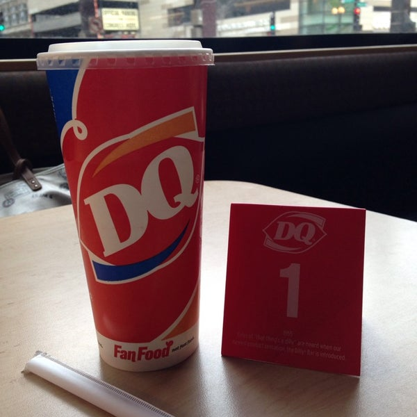 Photo taken at Dairy Queen by Aّmoُon on 3/31/2014