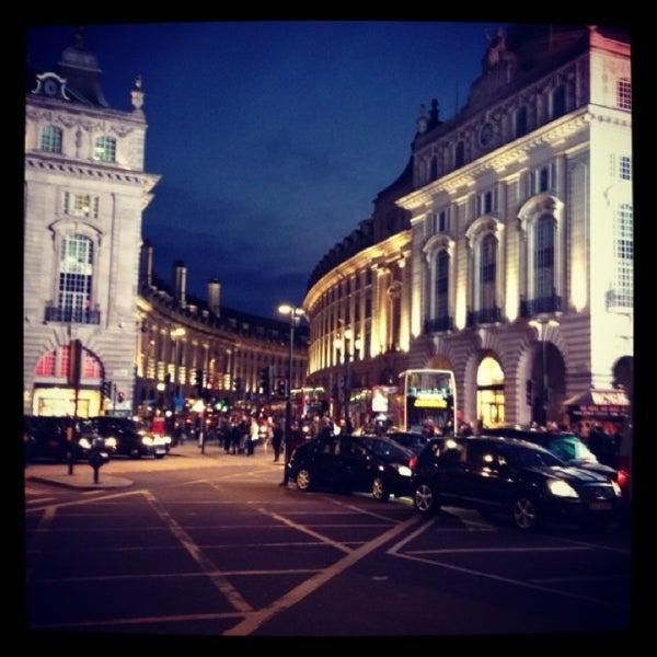 Photo taken at Oxford Street by İlgi Y. on 3/27/2013