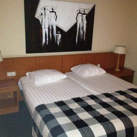 Photo taken at Van der Valk Hotel Hengelo by Marcel V. on 10/3/2012
