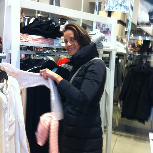 Photo taken at H&M by Ricardo D. on 11/11/2012