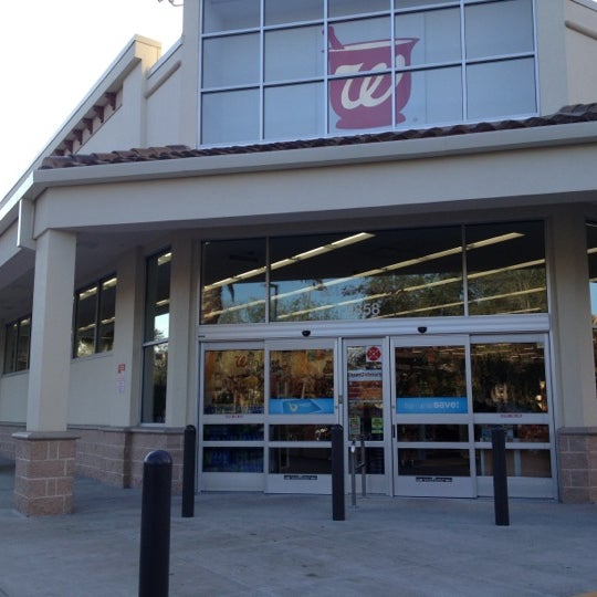 Photo taken at Walgreens by Vander J. on 11/29/2012