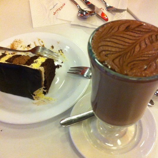 Photo taken at Secret Recipe by att@n🔰 on 12/12/2012
