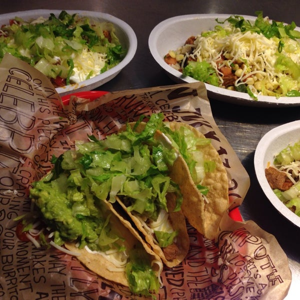 Photo taken at Chipotle Mexican Grill by Molly K. on 10/2/2013