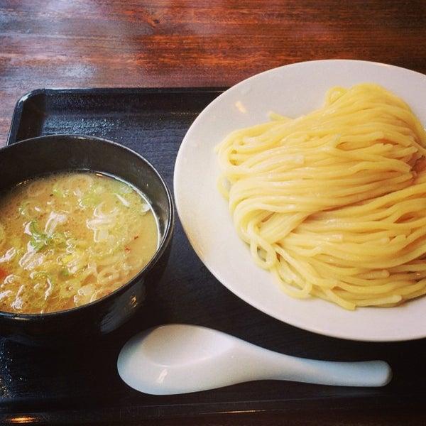 Photo taken at 三ツ矢堂製麺 下北沢店 by pu-tan on 7/27/2014