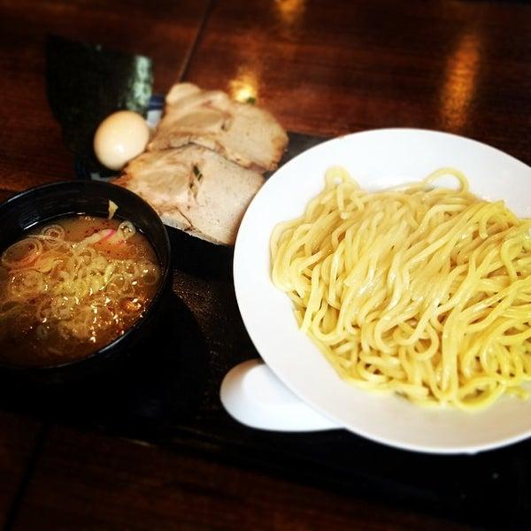 Photo taken at 三ツ矢堂製麺 下北沢店 by pu-tan on 5/6/2014