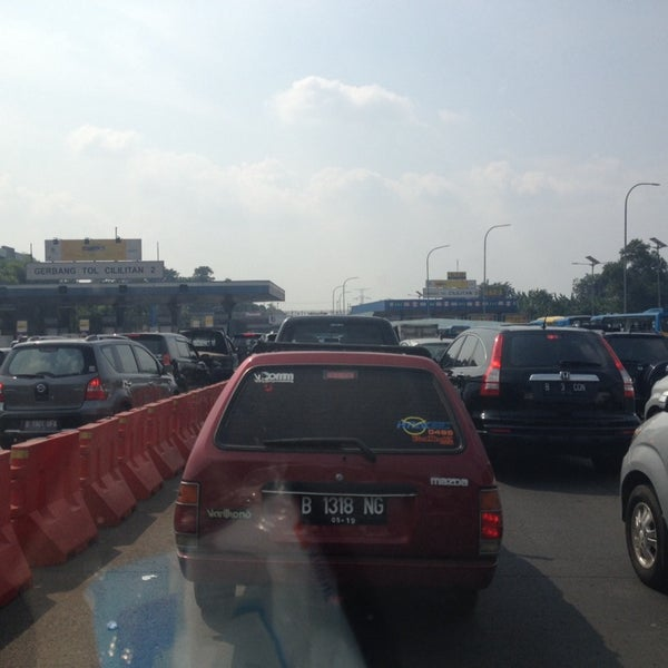 Photo taken at Gerbang Tol Cililitan by Mario U. on 6/4/2014