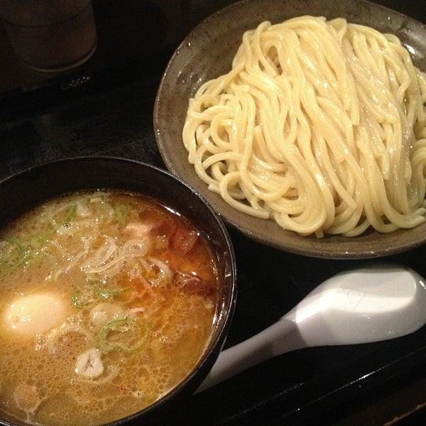 Photo taken at 三ツ矢堂製麺 下北沢店 by 武蔵小杉最強伝説 on 5/1/2013