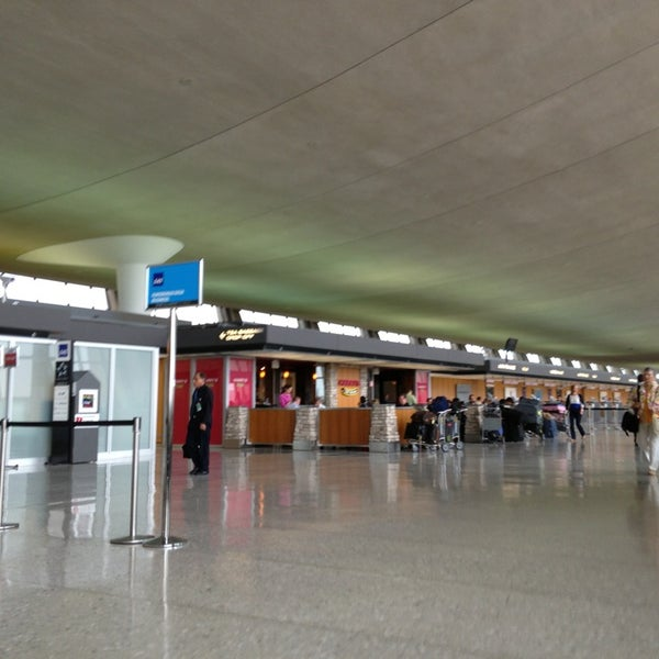 Klm Airport Terminal In Sterling