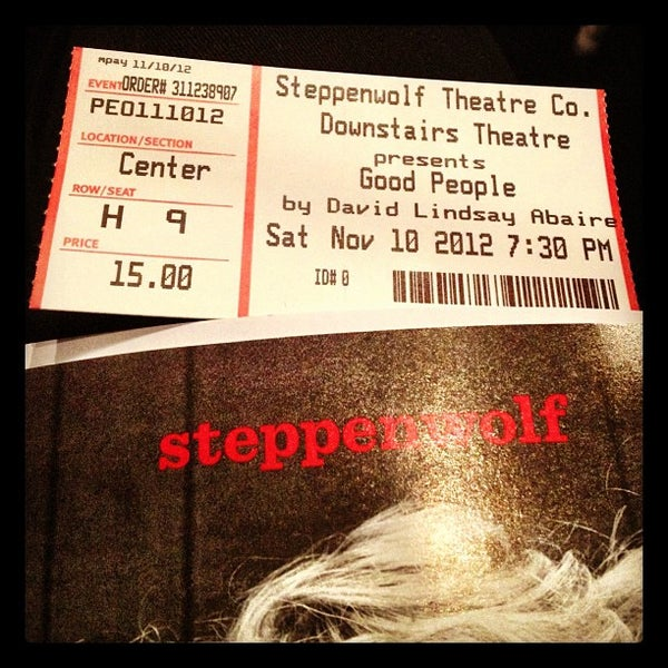 Photo taken at Steppenwolf Theatre Company by Corinne on 11/24/2012