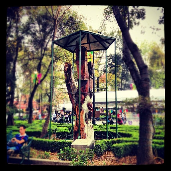 Photo taken at Jardín Hidalgo by Raul M. on 12/15/2012
