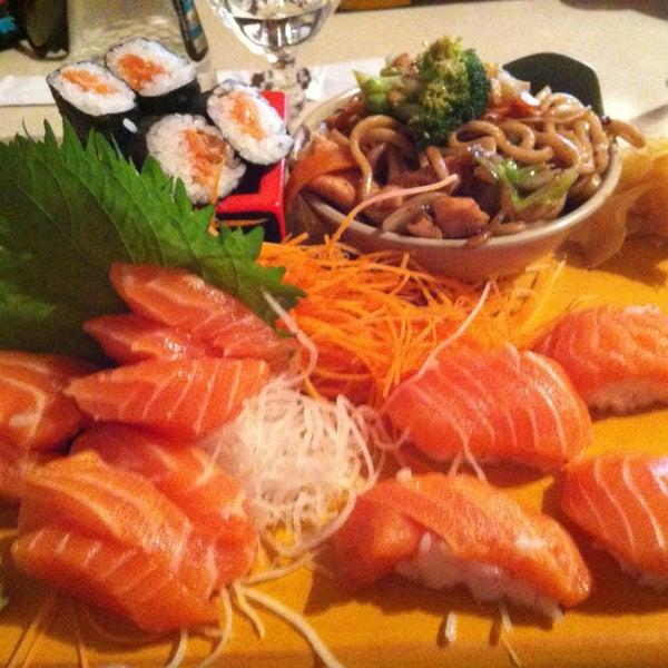 Missoshiro otimo! O salmao tambem eh fresco! So pecam pela demora na chegada dos pratos! Nao va com muita fome!