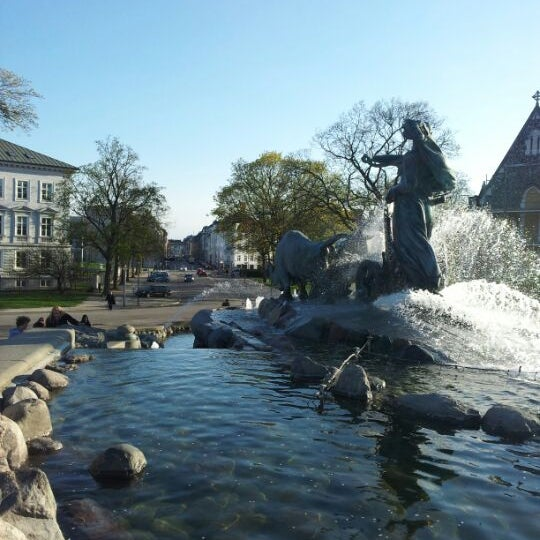 Photo taken at Gefionspringvandet (Gefion Fountain) by Jan Friborg J. on 5/1/2012