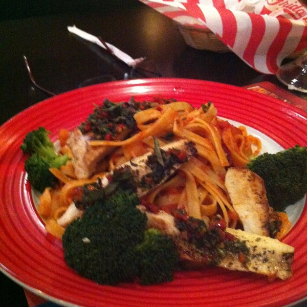 Photo taken at TGI Friday's by Omar Z. on 2/17/2013