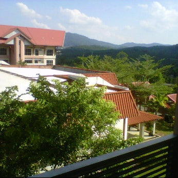 Photo taken at Felda Residence Trolak, Sungkai by Muhammad F. on 7/17/2011