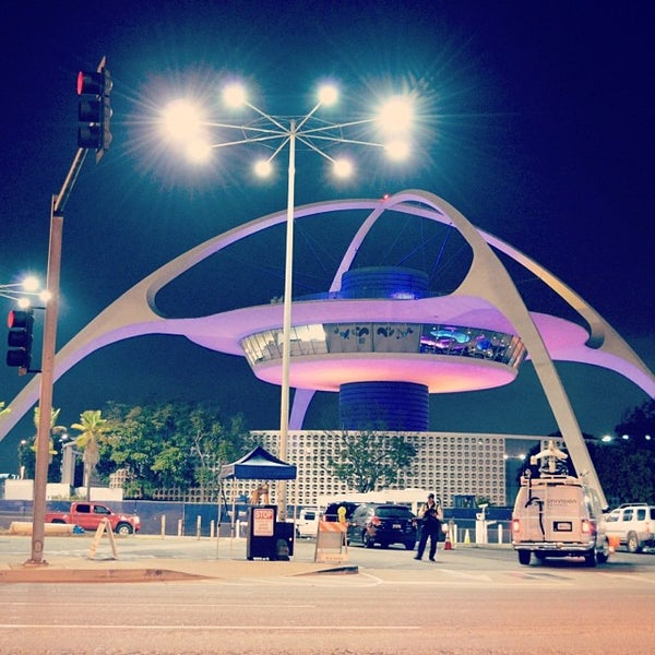 Los Angeles Apartments Near Airport: Los Angeles International Airport (LAX)