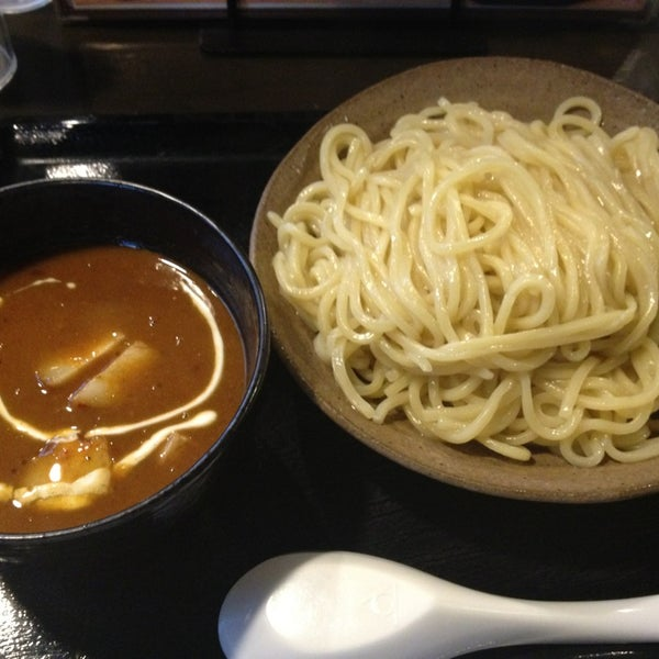 Photo taken at 三ツ矢堂製麺 下北沢店 by Haragoo_Love on 1/19/2013
