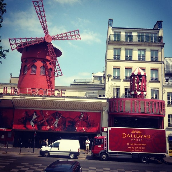 Photo taken at Moulin Rouge by Pryn L. on 7/11/2013